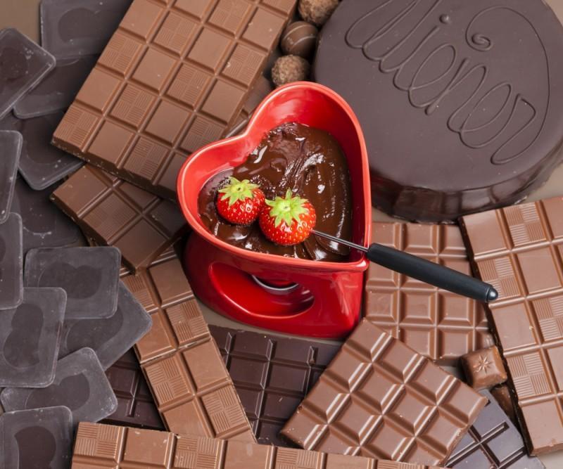 fondue de chocolate - dia dos namorados - revista icasei