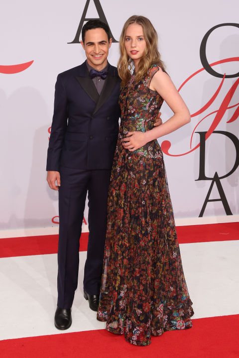 maya-thurman-hawke-de-zac-posen-e-zac-posen-cfd-awards-2015-red-carpet
