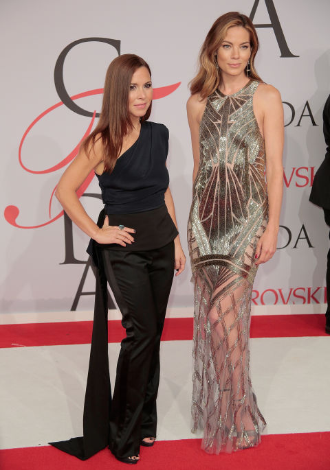 michelle-monaghan-de-monique-lhullier-e-monique-lhullier-cfd-awards-2015-red-carpet
