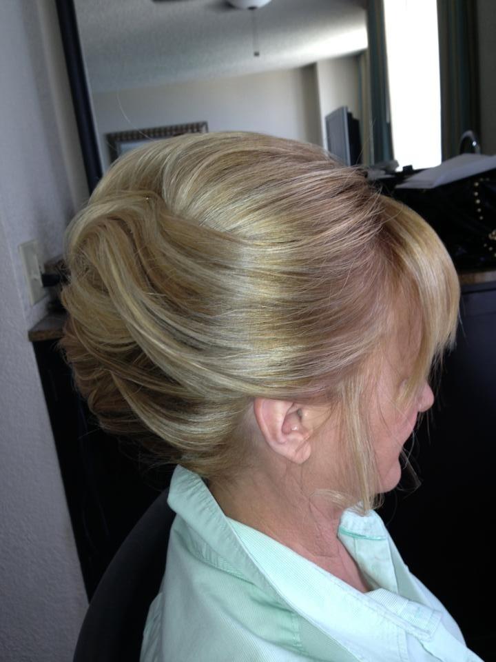 cabelo e make para mãe dos noivos - revista icasei (6)