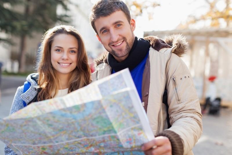 casal planejando lua de mel para a disney - revista icasei