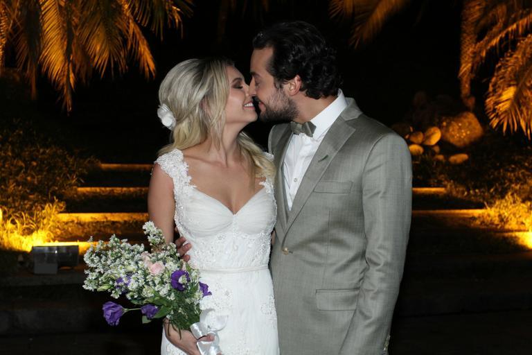 casamento-celebridades-eduardo-sterblitch-e-louise-dtuani (11)