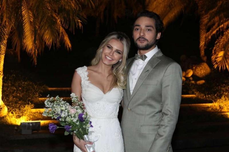 casamento-celebridades-eduardo-sterblitch-e-louise-dtuani