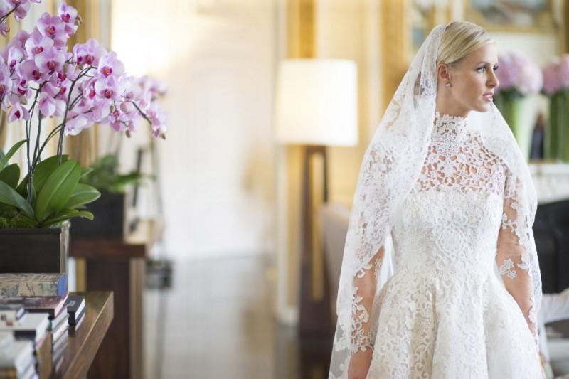 casamento-celebridades-nicky-hilton-e-james-rothschild-vestido-valentino-revista-icasei-