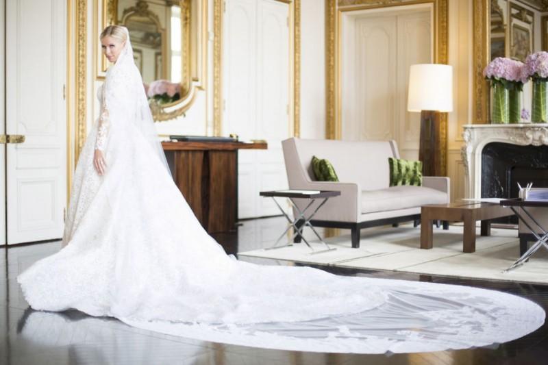 casamento-celebridades-nicky-hilton-e-james-rothschild-vestido-valentino-revista-icasei