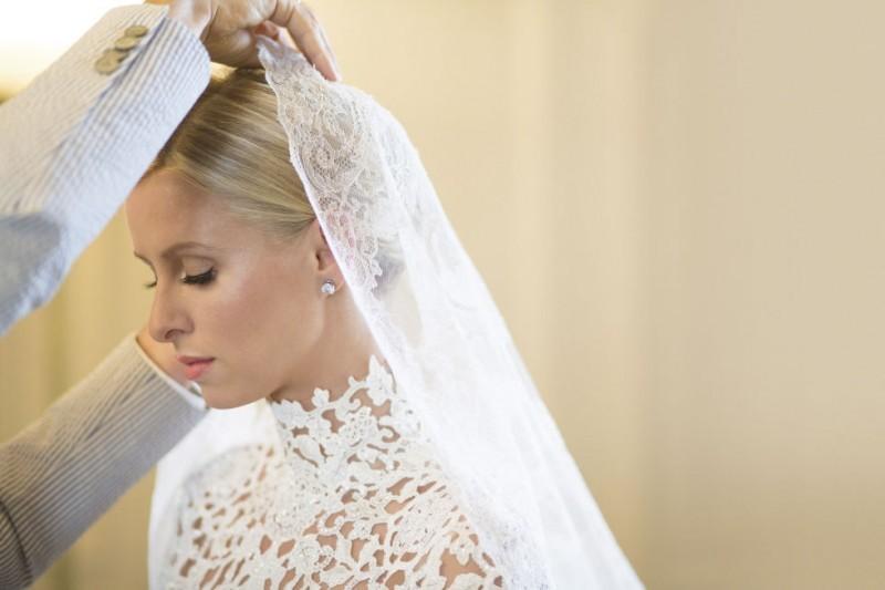 casamento-celebridades-nicky-hilton-e-james-rothschild-veu-da-noiva-revista-icasei