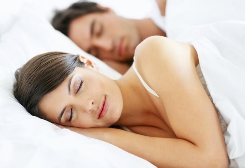 dica-para-os-recem-casados-como-dormir-bem-na-casama-de-casal-revista-icasei (1)
