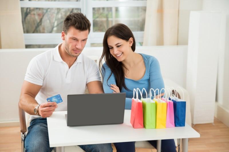 lua de mel - casal comprando - revista icasei