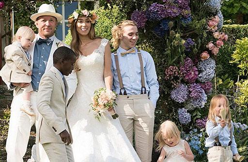 casamento-celebridade-guy-ritchie-e-jacqui-ainsley-revista-icasei