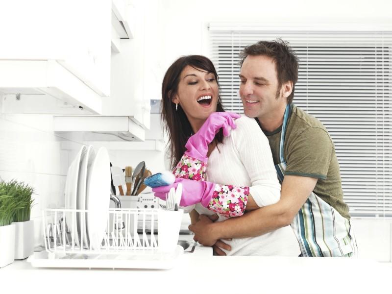 5 Dicas para os Recém-casados Dividirem as Tarefas de Casa - revista icasei (1)