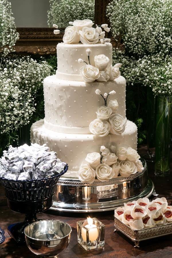 decoração-de-casamento-com-chuva-de-prata-e-mosquitinhos-revista-icasei (6)