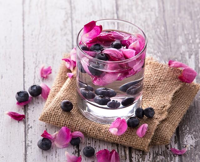Bebidas sem álcool e cheias de sabor para o casamento_revistaicasei_agua