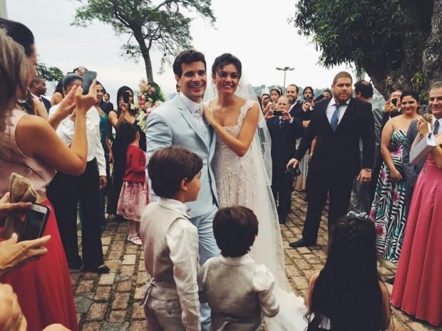 retrospectiva-noivos-famoso-bem-vestidos-daniel-de-oliveira-revista-icasei