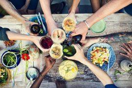Descubra-como-calcular-a-quantidade-ideal-de-comidas-e-bebidas-para-um-casamento