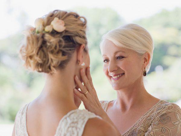 Mães dos noivos penteados