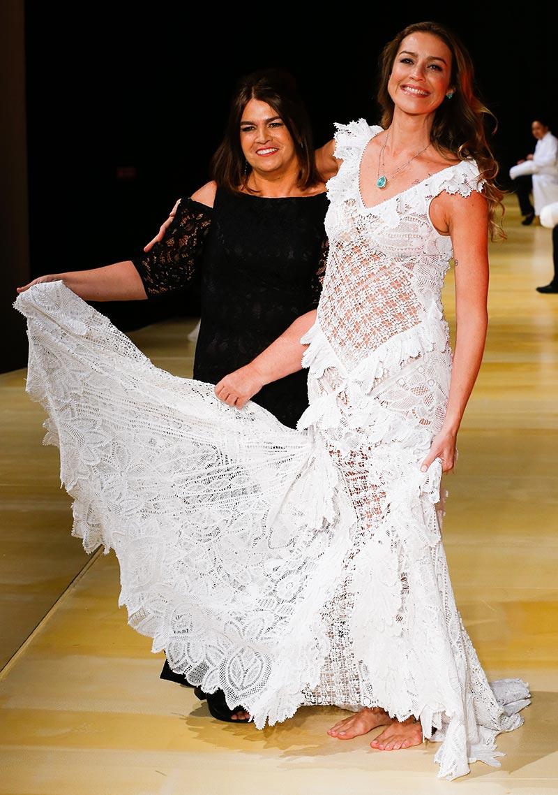 Luana Piovani e Martha Medeiros no casamoda noivas 2016.