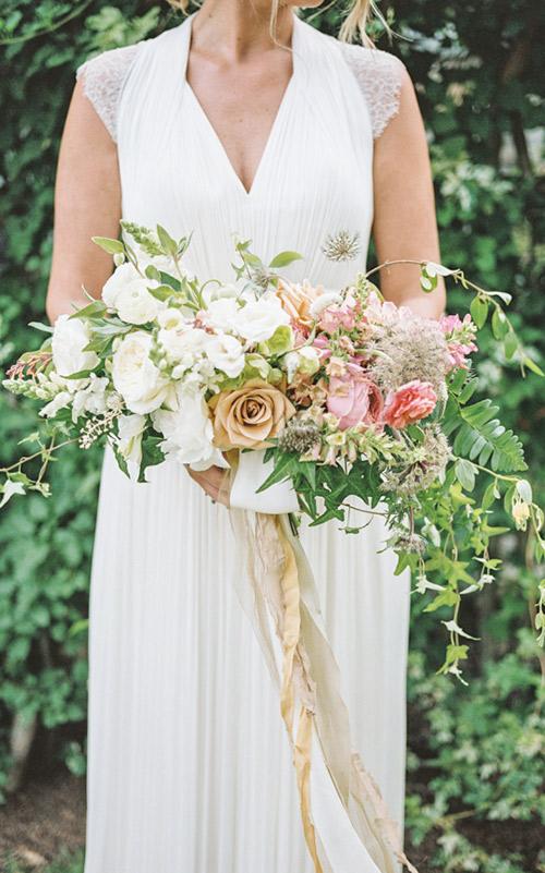 Buquê-cascata flores campestres
