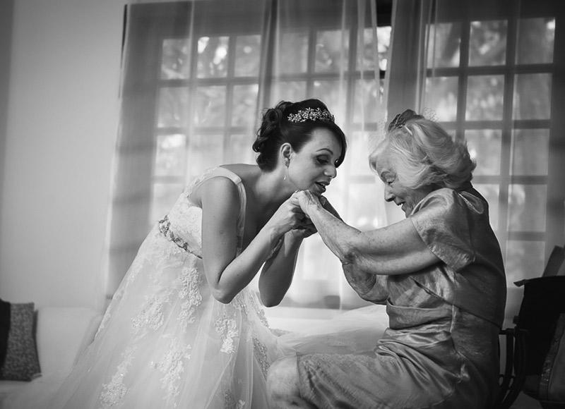 noiva e avó no casamento