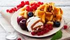 Ilha-gastronomica-alema-waffle-com-frutas