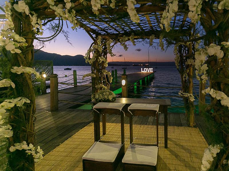 Lugares para casar em Ilhabela pier 151