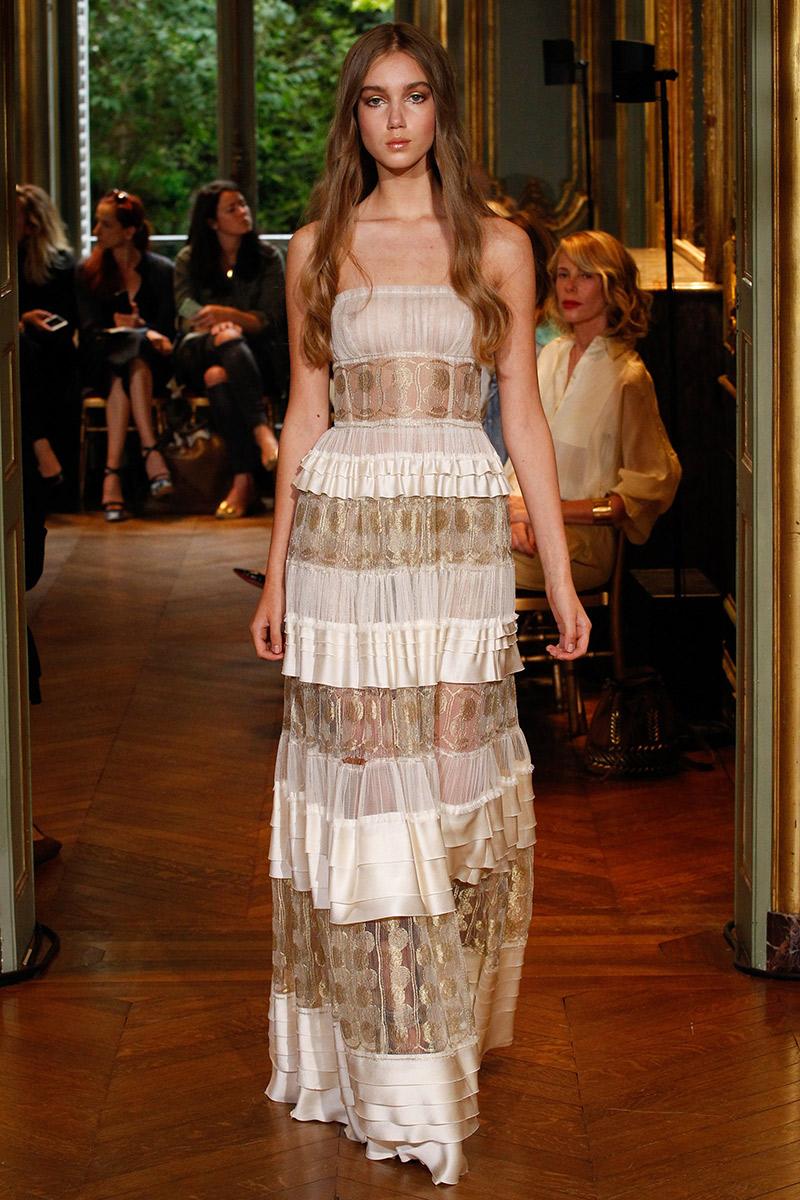 Vestido de noiva tendências 2016 Alberta Ferretti camadas