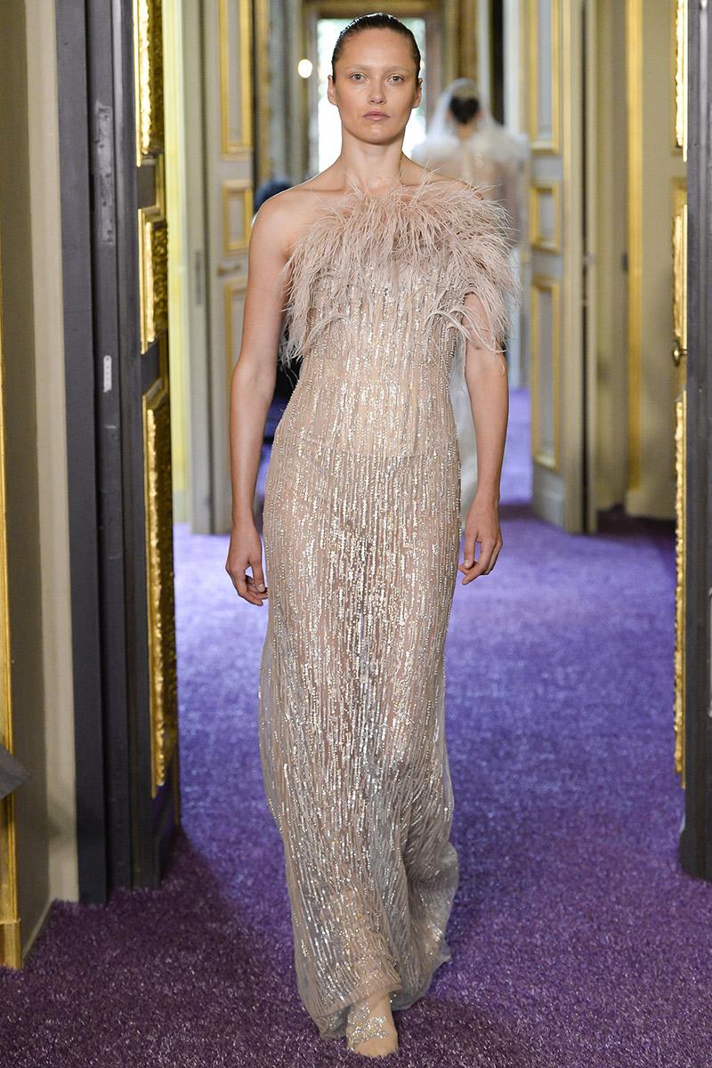 Vestido de noiva tendências 2016 Francesco Scognamiglio franjas e plumas