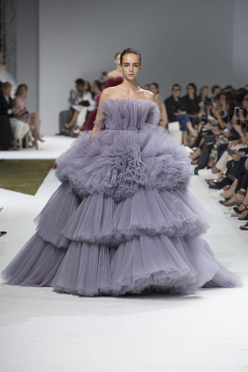 Vestido de noiva tendências 2016 Giambattista Valli camadas