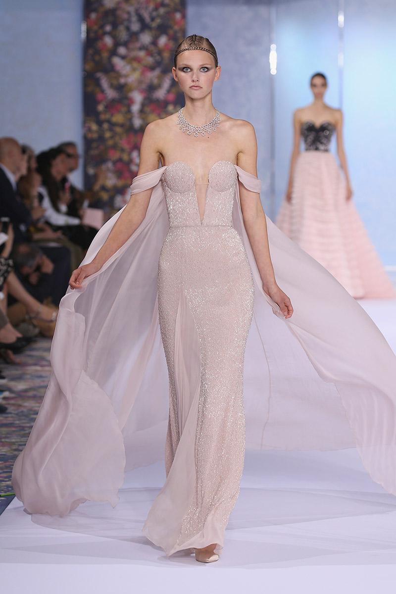 Vestido de noiva tendências 2016 Ralph & Russo ombro a ombro
