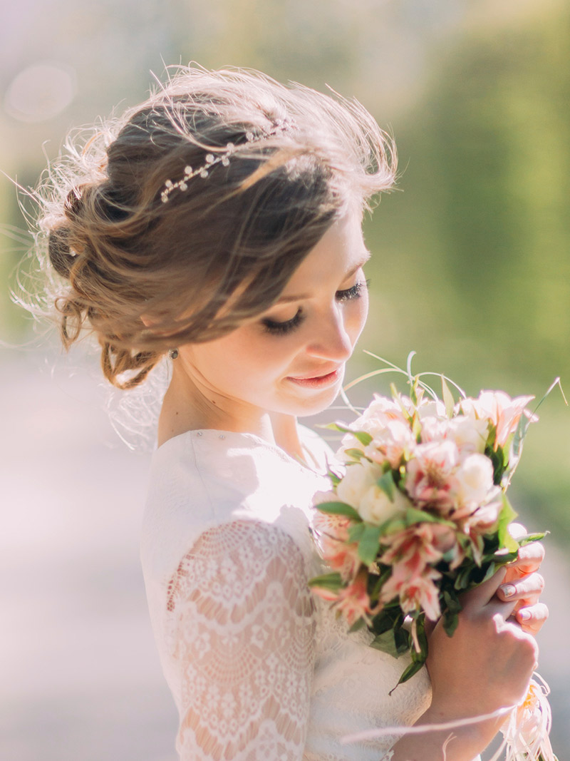 Conheça 10 origens e significados casamento grinalda