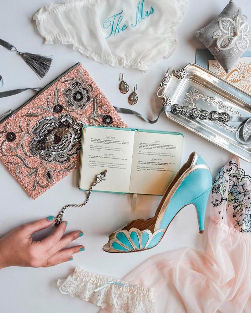 Conheça 10 origens e significados casamento novo velho e azul