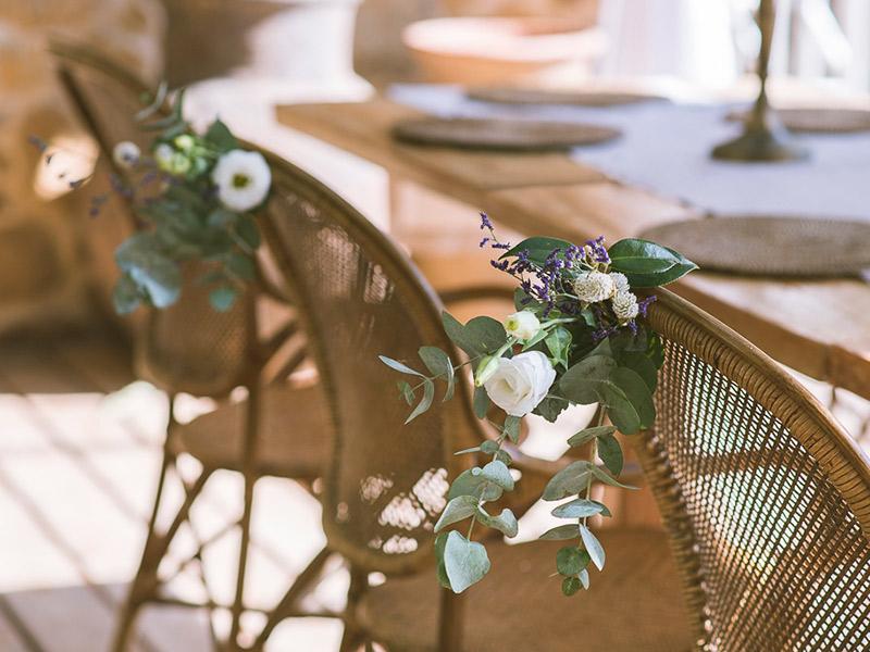 Decoração Como decorar a cadeira dos noivos cadeiras Bia e Ale