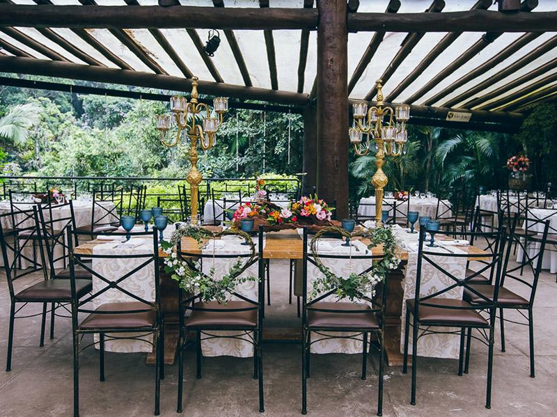 Decoração Como decorar a cadeira dos noivos cadeiras Sylvia e Caio