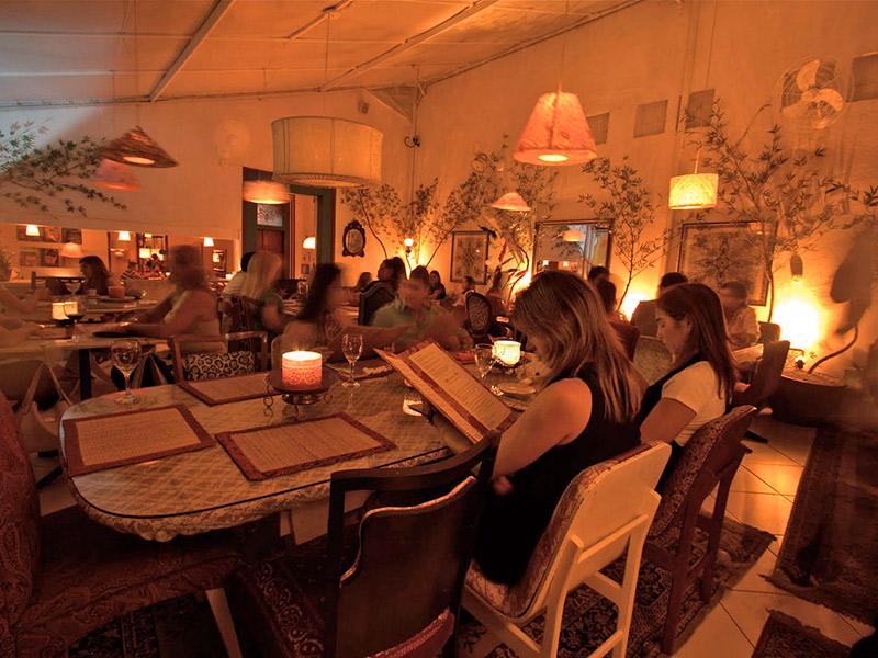Espaços como fazer um mini wedding em um restaurante marakuthai