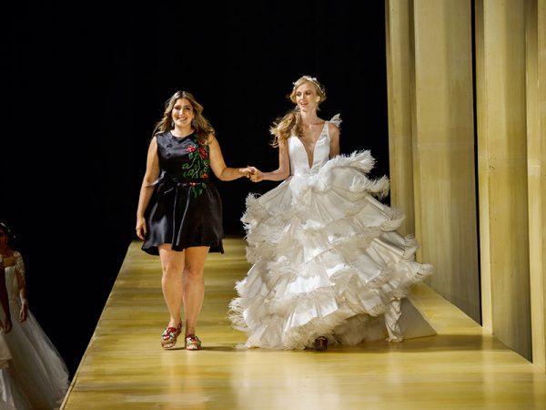Vestido de noiva Carol Hungria celebra 1000 vestidos
