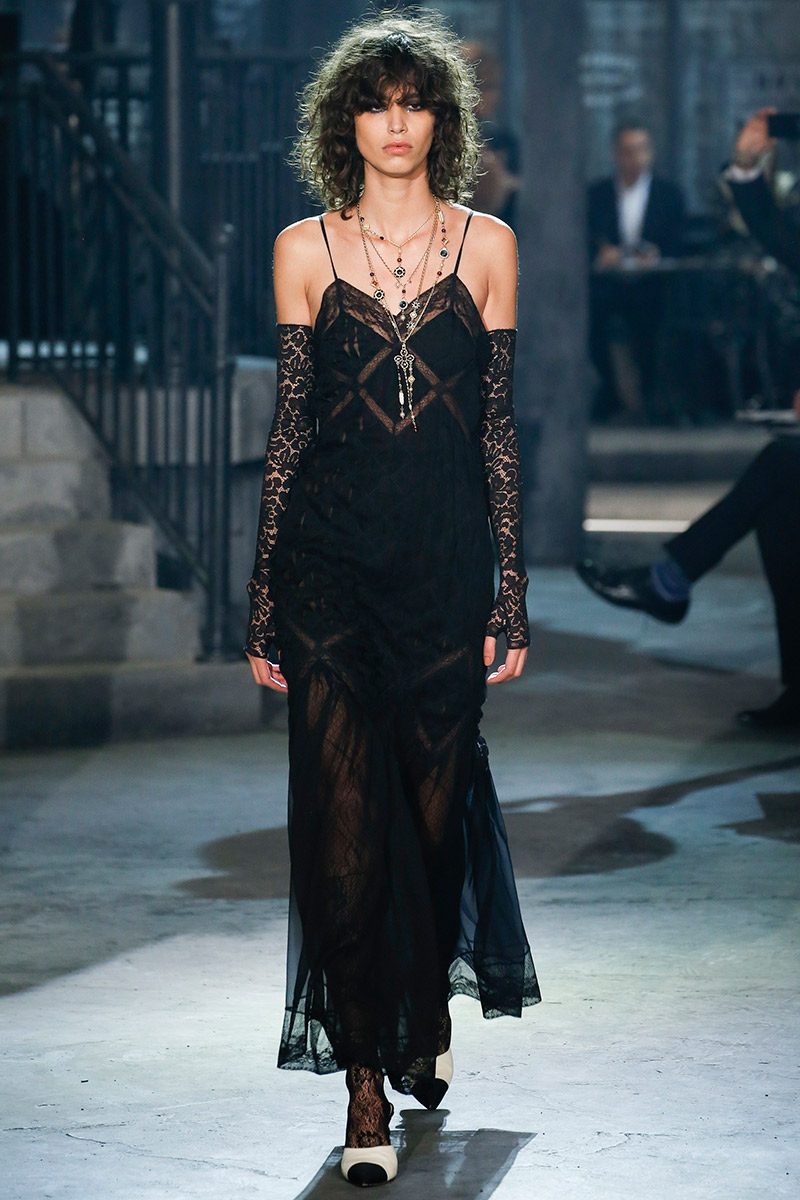 Vestido de noiva Como usar slip dress Chanel