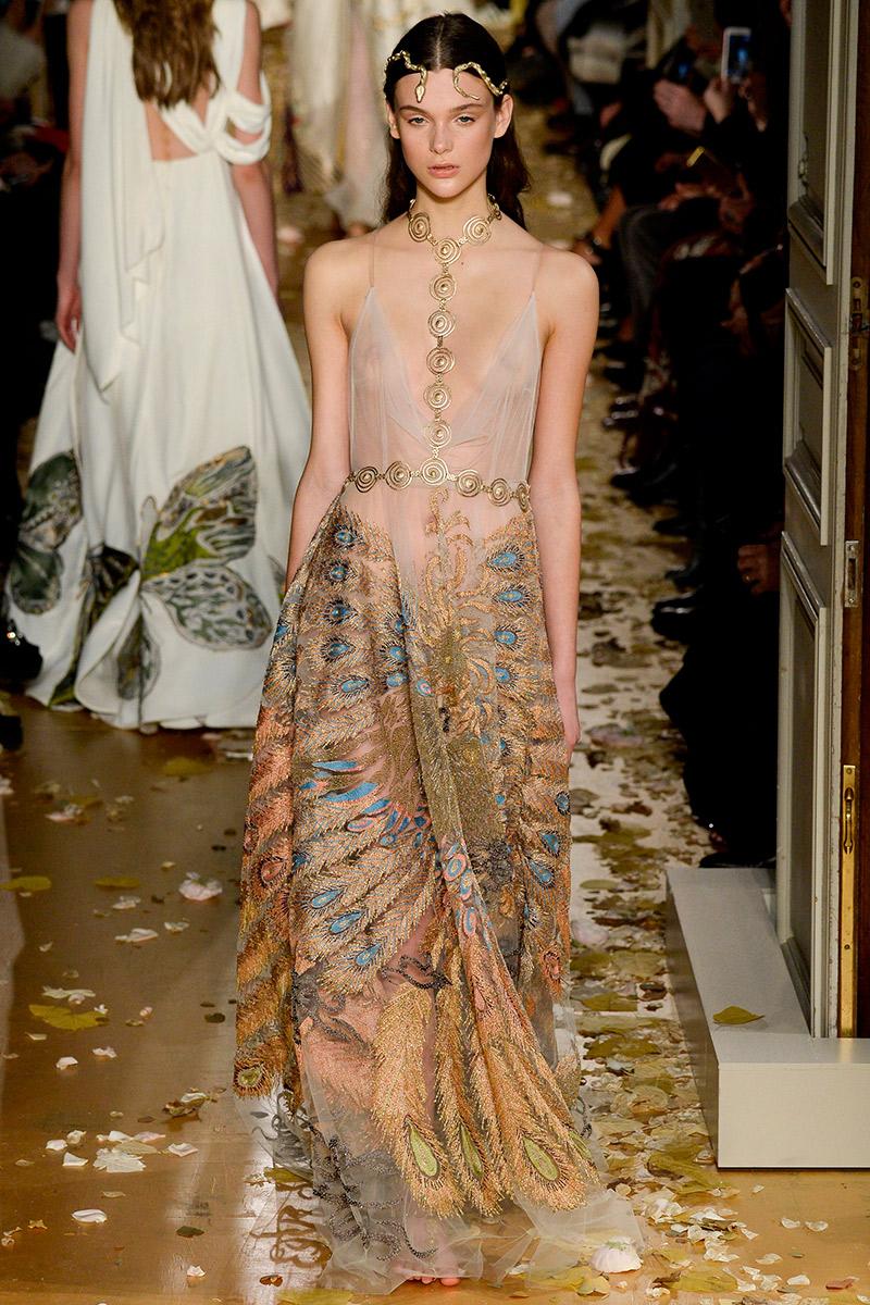 Vestido de noiva Como usar slip dress valentino
