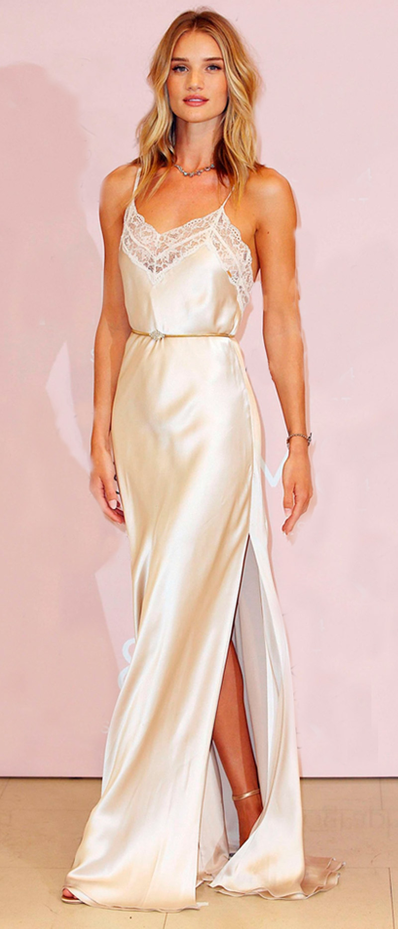 Como usa slip dress no casamento