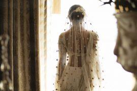 vestido de noiva: noiva bordou sua história de amor no vestido do casamento