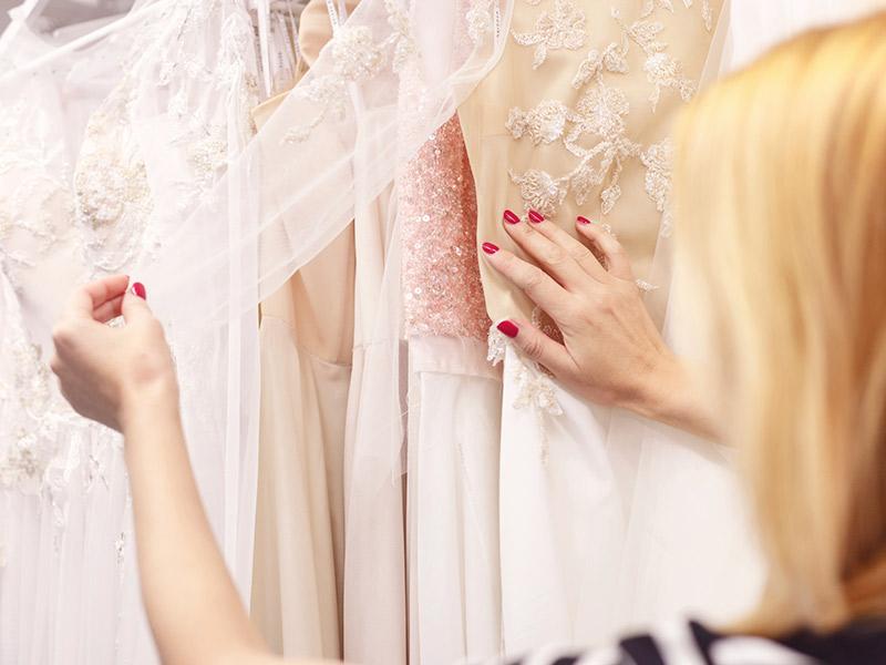 Como guardar o vestido de noiva o que fazer