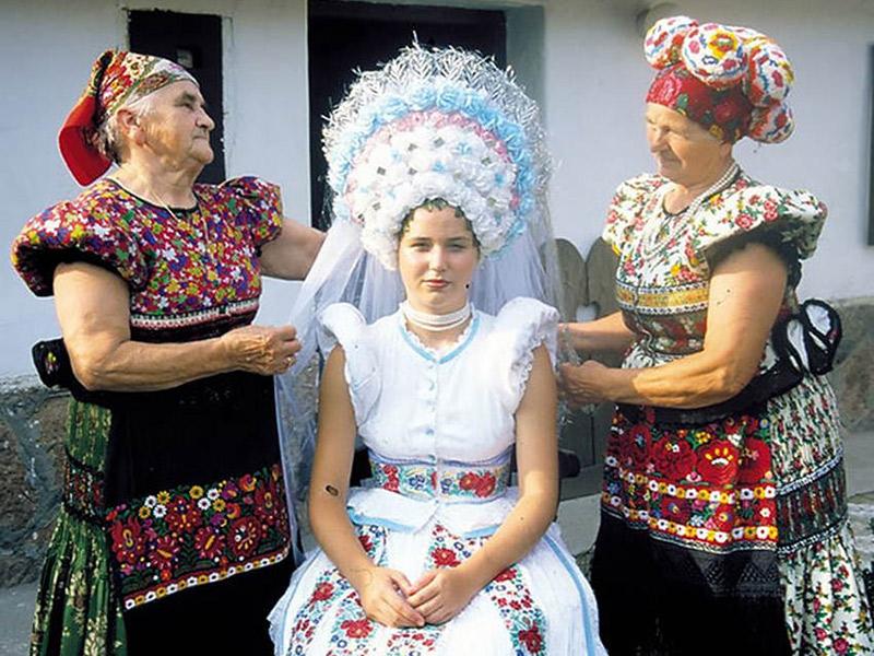 Vestido de noiva Trajes de casamento ao redor do mundo Hungria