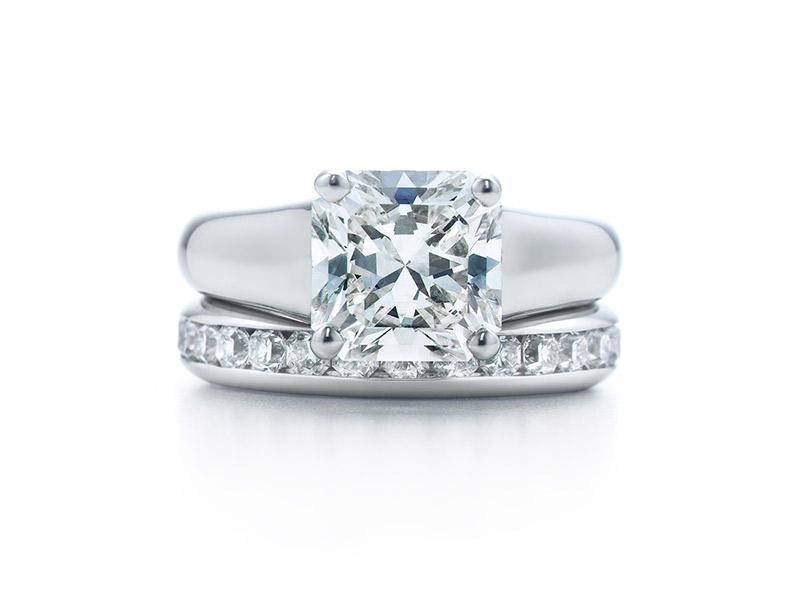 Anel de noivado Tiffany lucida