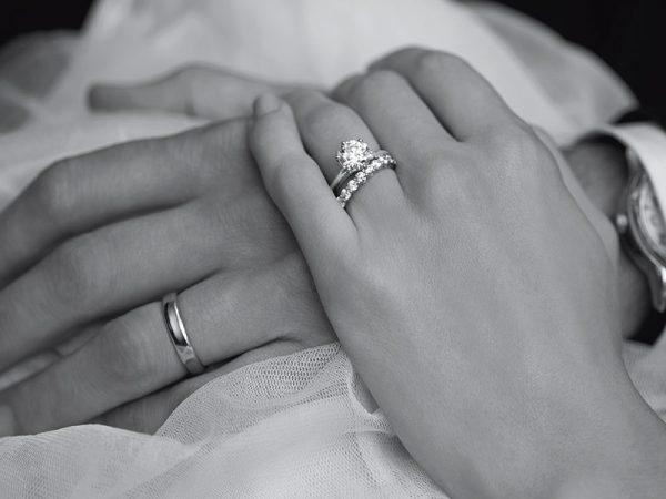 Anel de noivado gemas da Tiffany