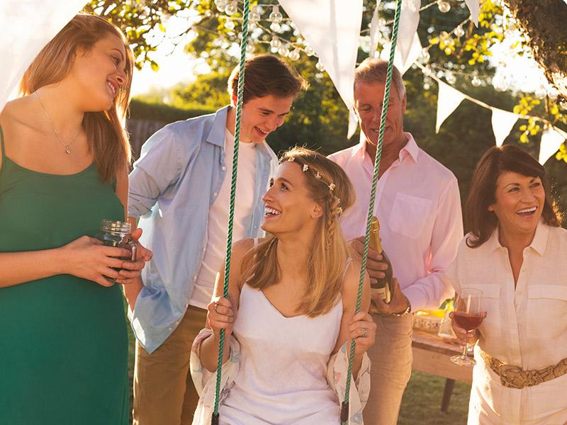 Como escolher os padrinhos para casamento convidar só um