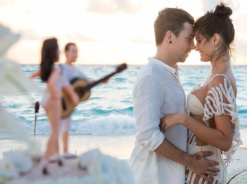 Destination wedding x elopement Isabeli e Di Ferrero