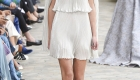 Fashion Weeks tendências 2017 noiva e madrinhas plissado