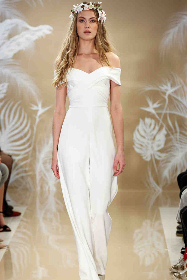 Vestido de noiva tendências do NY Bridal Week Outono 2017 macacão