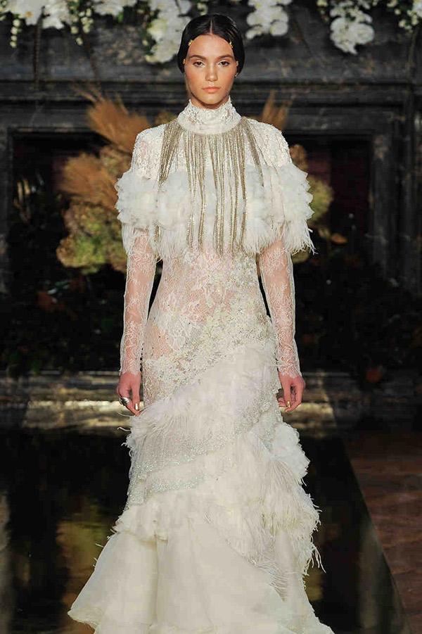 Vestido de noiva tendências do NY Bridal Week Outono 2017 plumas
