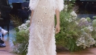 Vestido de noiva tendências do NY Bridal Week Outono 2017 transparência