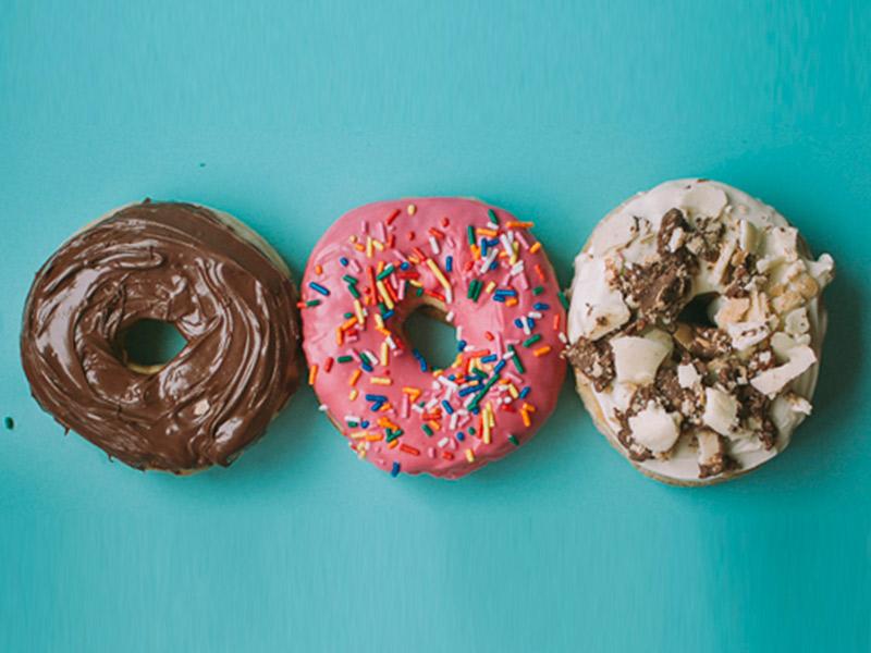 Docinhos de casamento tendências para 2017 donuts