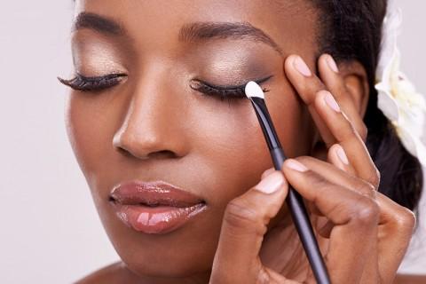 Maquiagem de casamento Como aplicar em si própria